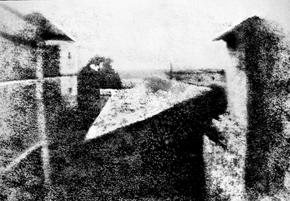 First photo by French inventor Joseph Niepce, 1825