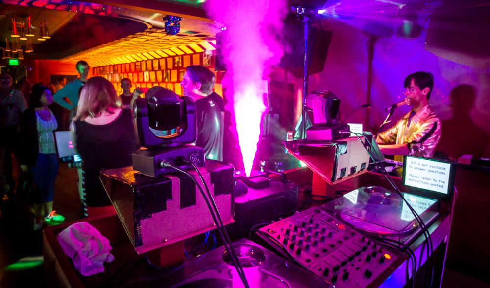Vinyl_Karaoke_070115_JKeefe_7D-1105_1000px72dpi.jpg