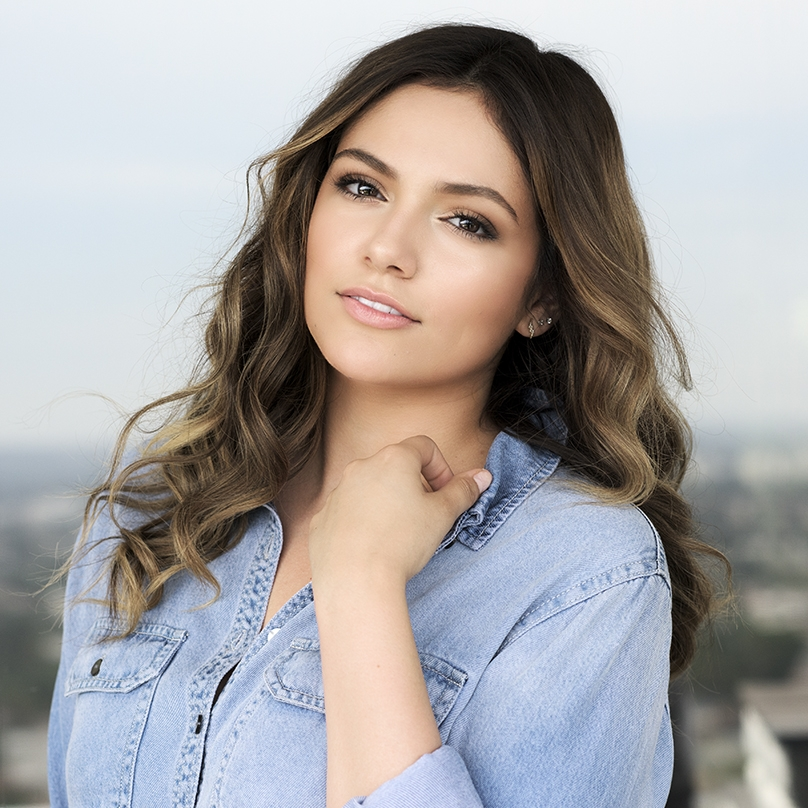 Keynote Speaker    Bethany Mota  YouTube Star
