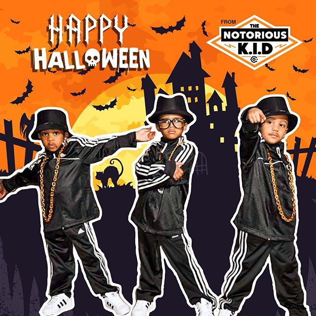 This year Halloween fell on a weekend / and the Notorious K.I.Ds were trick or treating... 🎃 💀 🍬 🍭 #hiphophalloween #happyhalloween #trickortreat #kiddmc