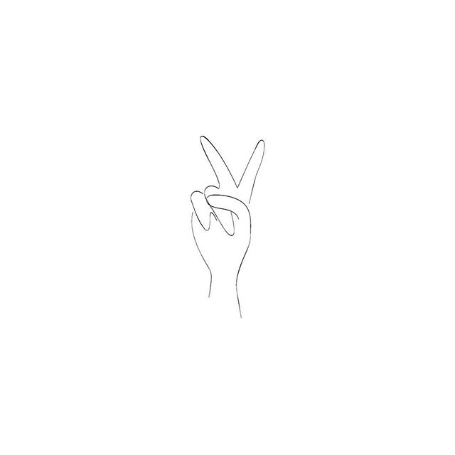 Working on something fun w/ @twofoldclothing #✌🏼 . . . #graphicdesign #lineart #linedrawing #illustration #minimaldesign #fpme #thatsdarling #everydaymadewell #easilyinspired #notonlymuses