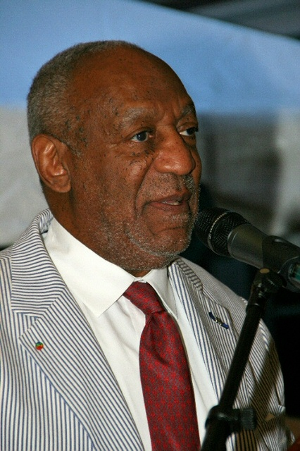Dr. Bill Cosby speaks at Anthony Quinn Foundation