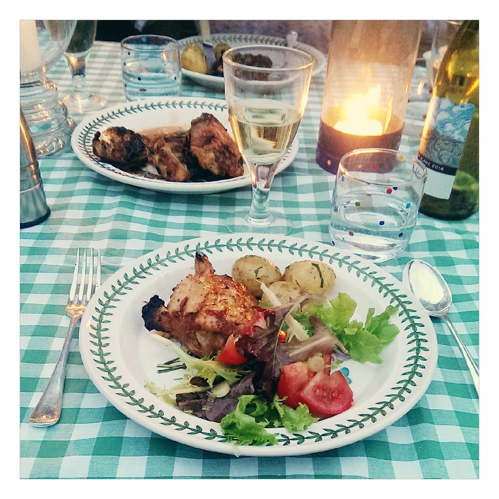 Eating Al fresco - Rubelle