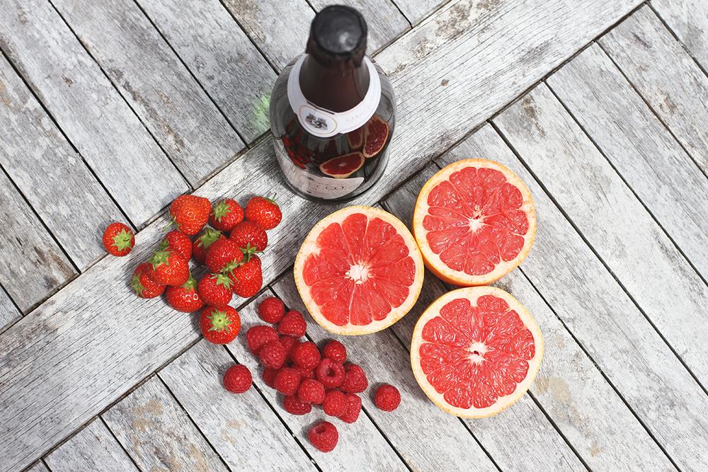 Rubelle || Prosecco grapefruit lollipops