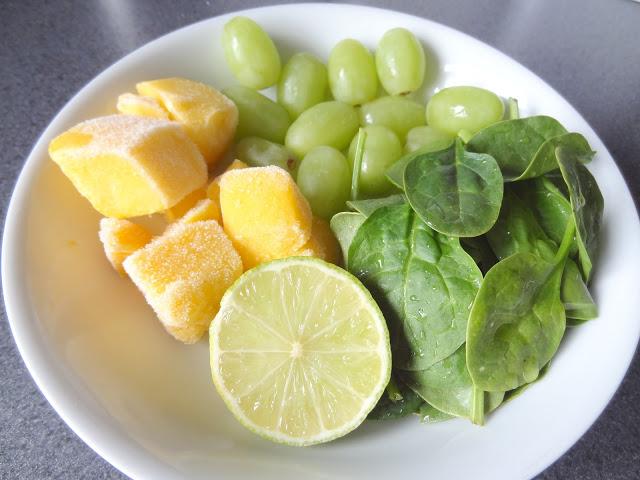 Green-Super-Smoothie-Ingredients.JPG