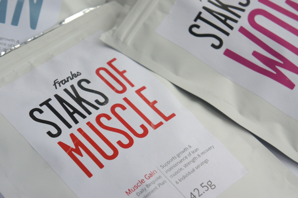 Staks-Convenient-Supplement-Pouch