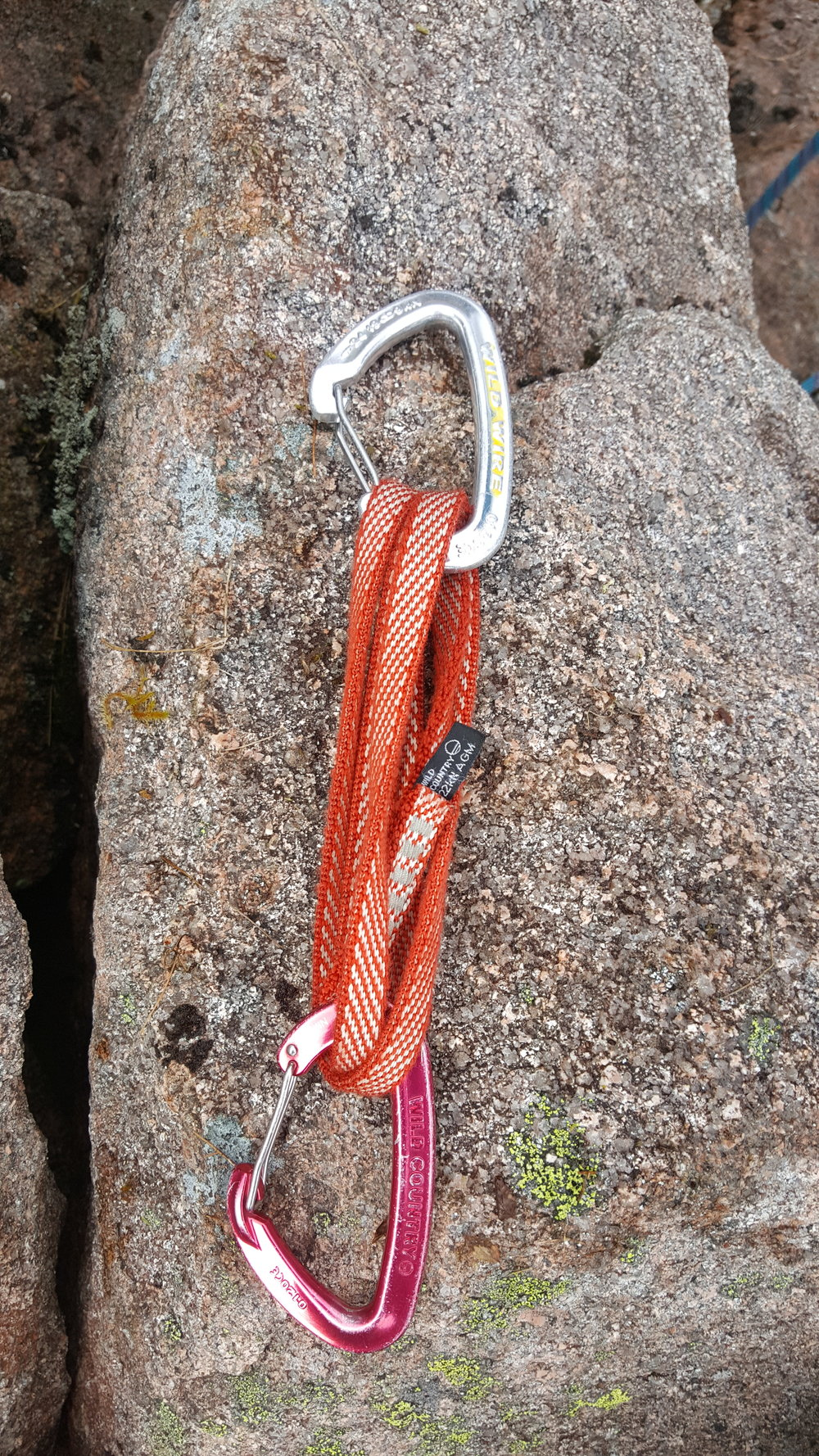 Extendable Quickdraw: made out of one 60cm sling and two wiregate carabiners