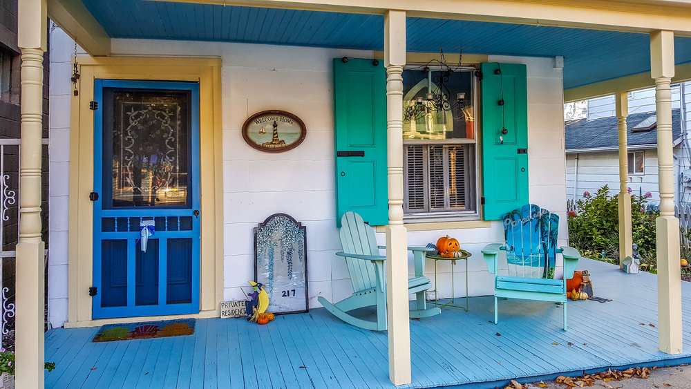 The Colourful Dwellings of Chesapeake City (Photo By Diane Edge)