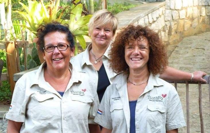 L'équipe des institutrices: Mme Brigitte Lehnert - Mme Mariette Eich-Frank - Mme Michelle Schanen