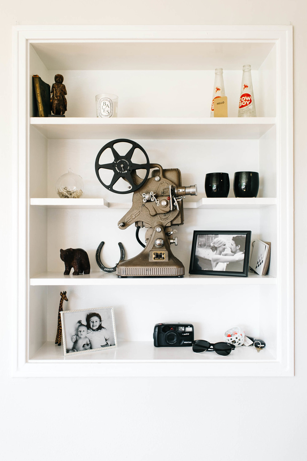 seattle home tour shelving