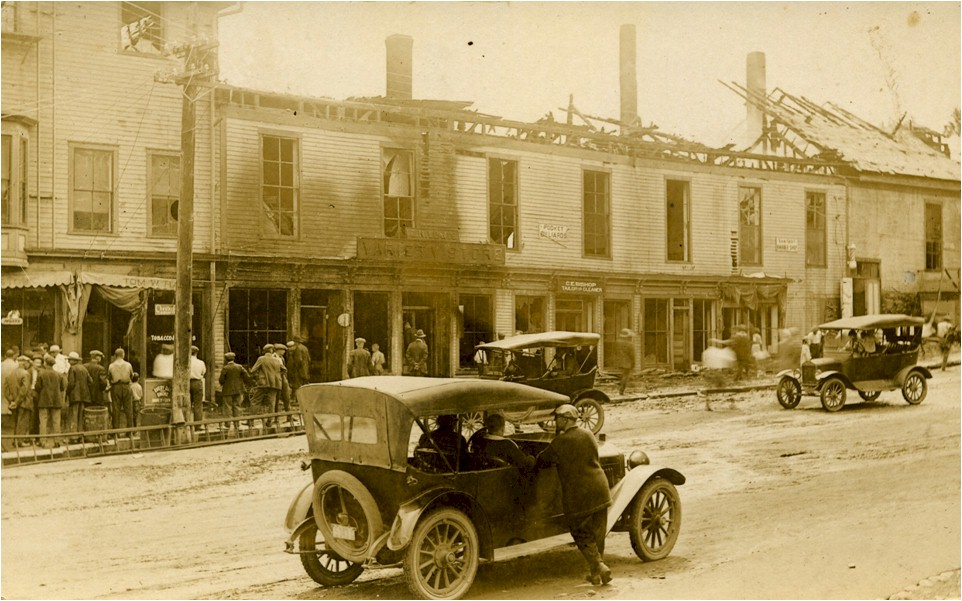 10 Fire, July 1, 1922, Center Street.jpg
