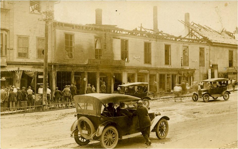 10 Fire, July 1, 1922, Center Street.jpg