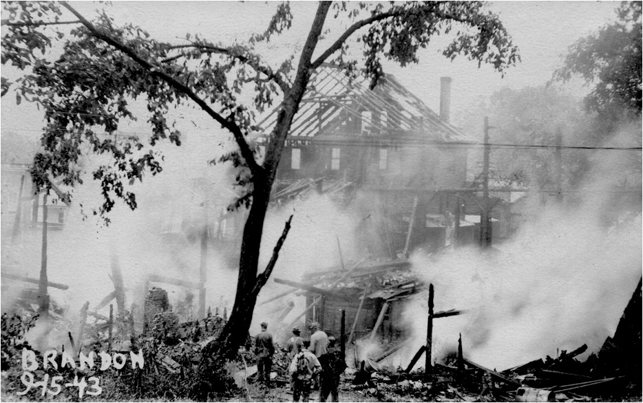 17 Fire, September 15, 1943, Center Street.jpg