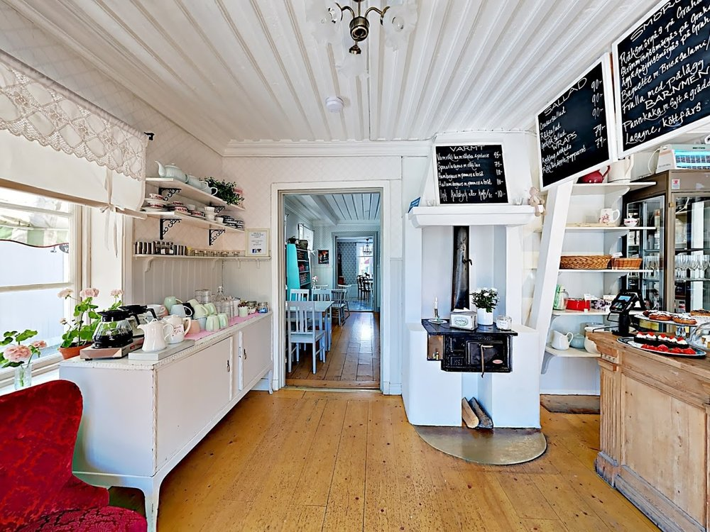 cafe vy från entrén.jpg