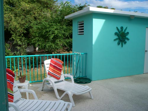 The Captain's Quarters second floor terrace makes for a great end to a great day at the beach!