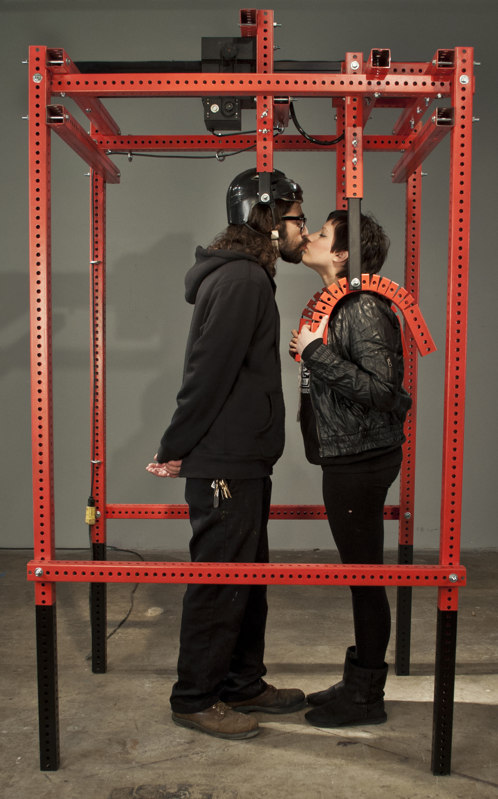 Camut_Kissing2.jpg