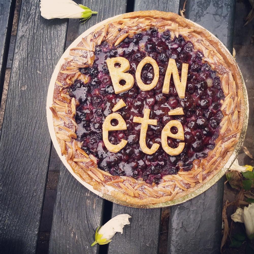 """blueberry almond """"tarte pique-nique"""""""