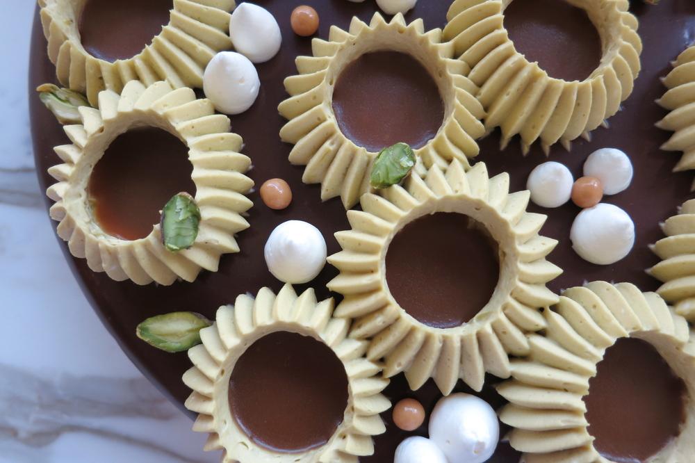Chocolate Pistachio Cake4.JPG