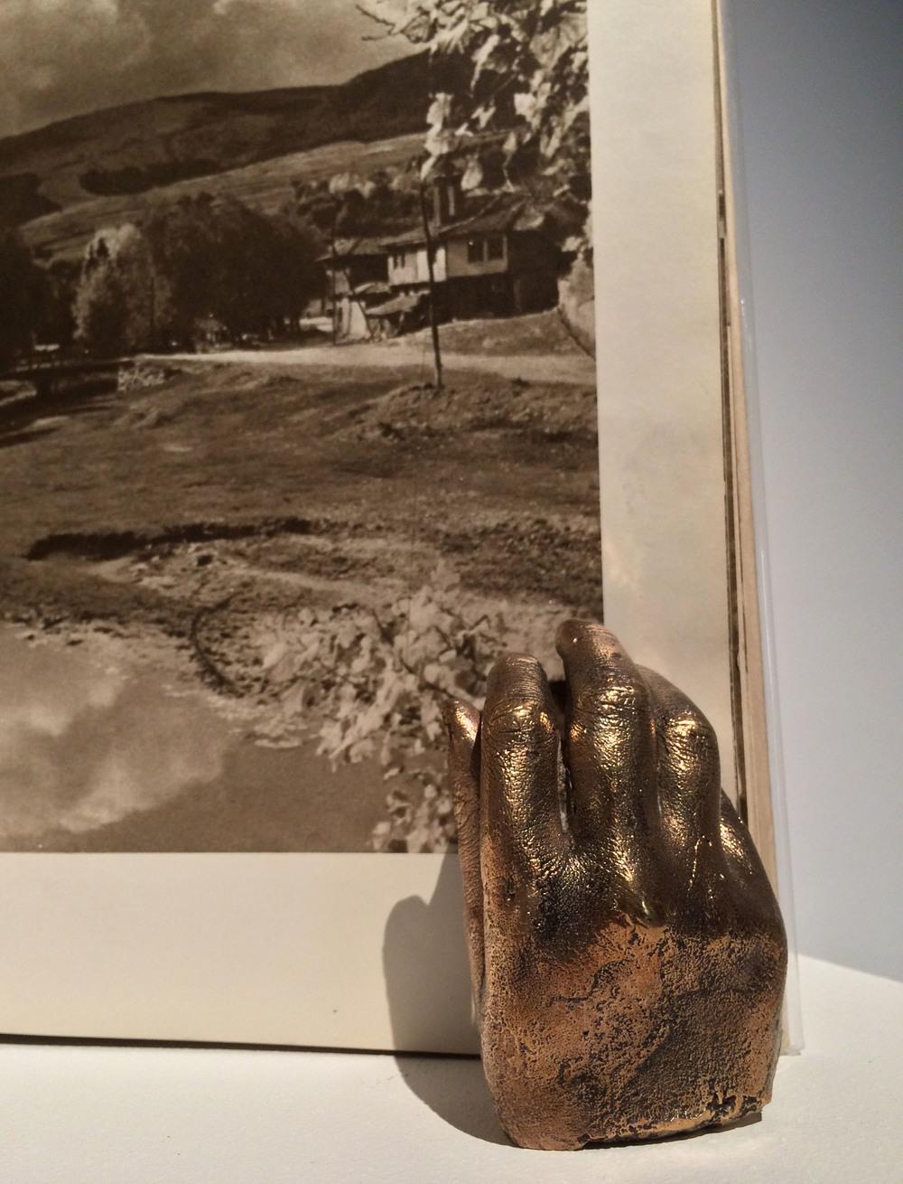 de mineralis mains ulysse bronze .jpg