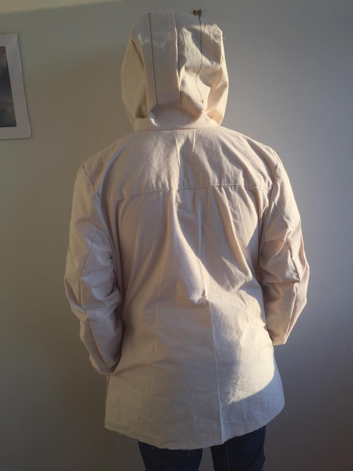 Albion toile back view hood up