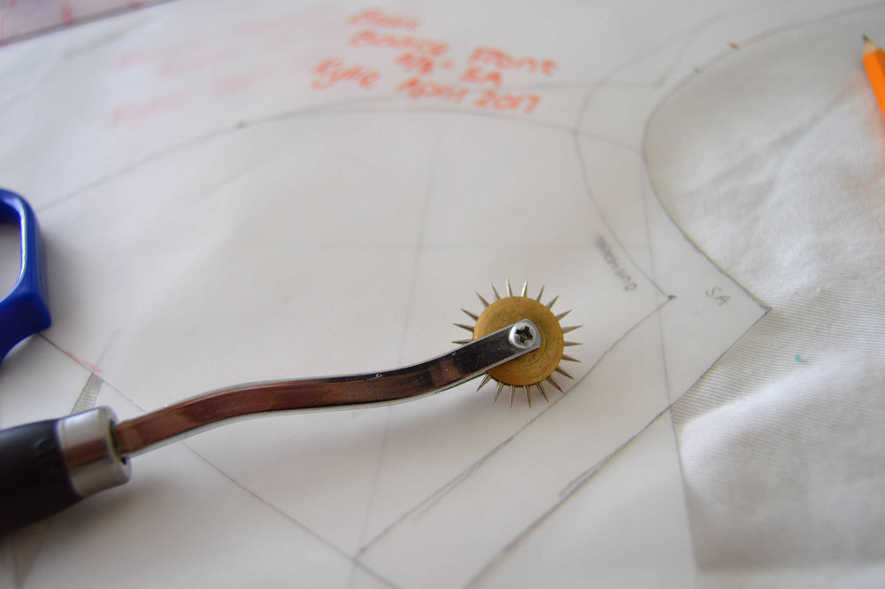 Bodice block tracing wheel