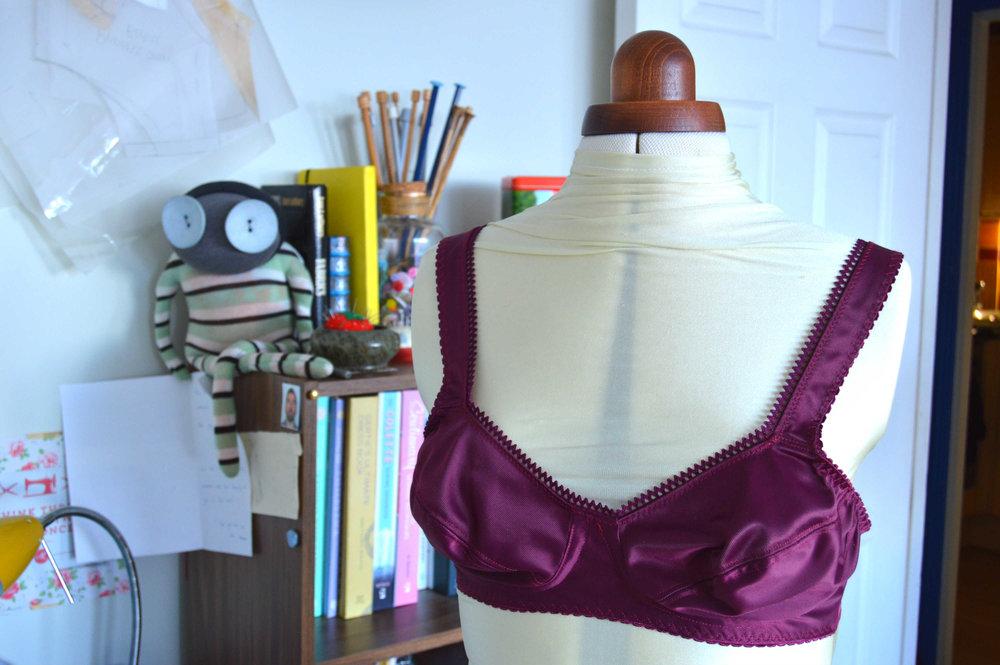 Classic Pin Up Bra - bra making course