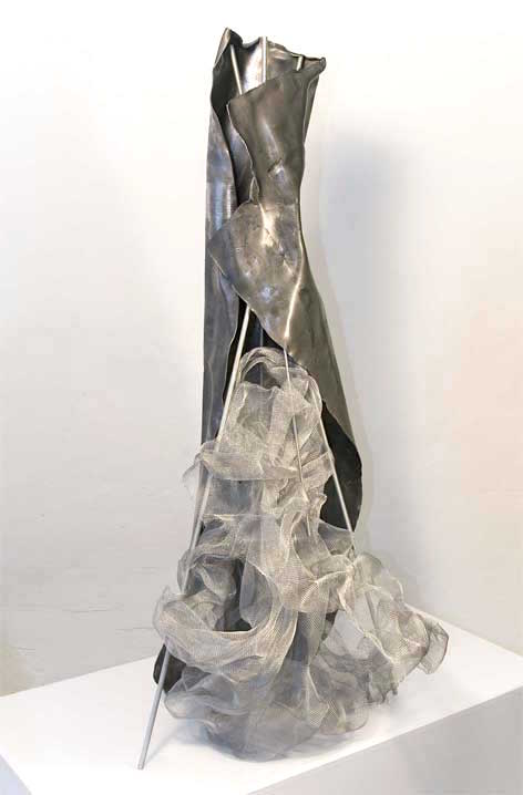 Title: Traviata    Size: 100 x 50 x 40 cm.  Materials: Several materials