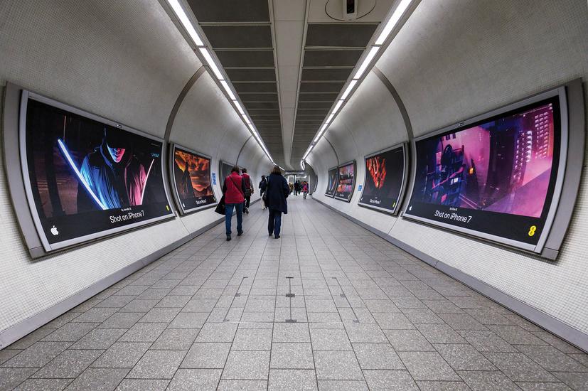 UK_London_KingsCross_corridor_OneNight_1.jpg