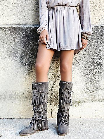 LOVE this outfit! So boho :)