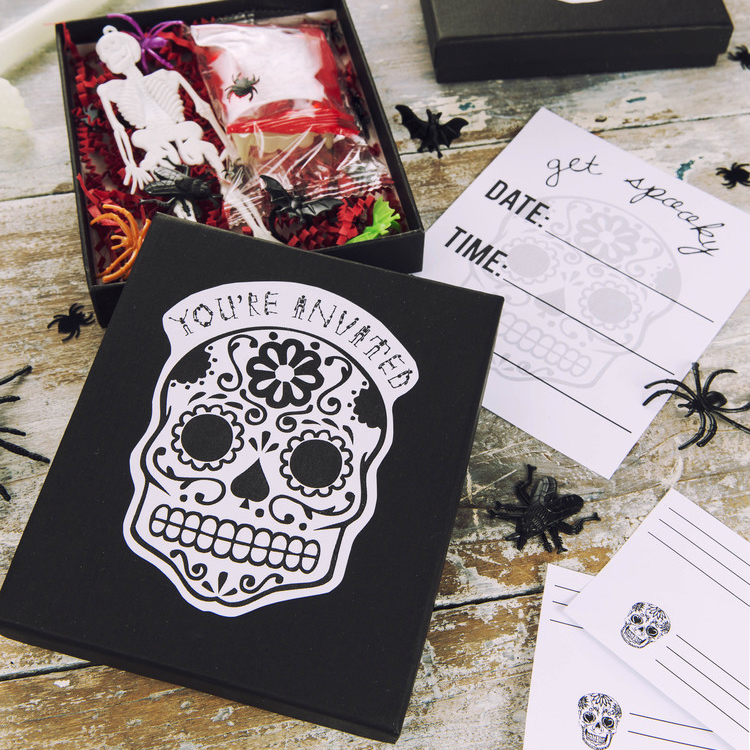 DIY Surprise Halloween Invites