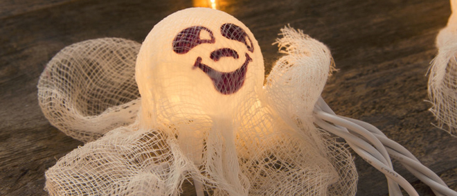Halloween Ghost Lights DIY - they're so cute!