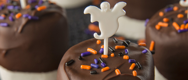 Chocolate-Dipped Halloween Marshmallows