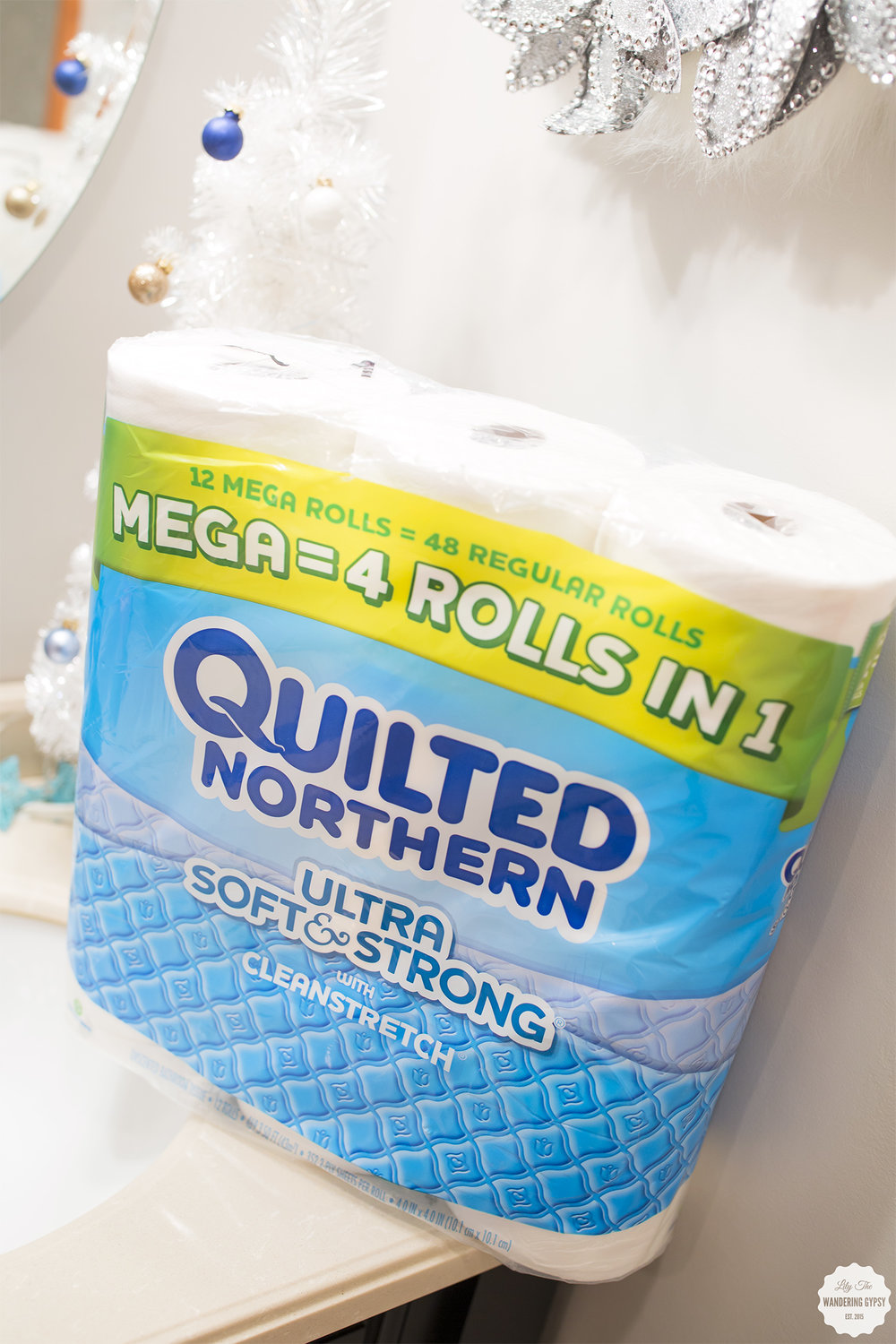 A Holiday Bathroom Makeover #QuiltedHoliday