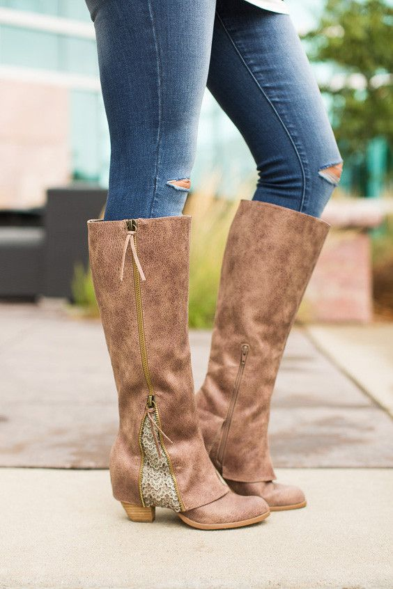 Little Edge Boots in Taupe