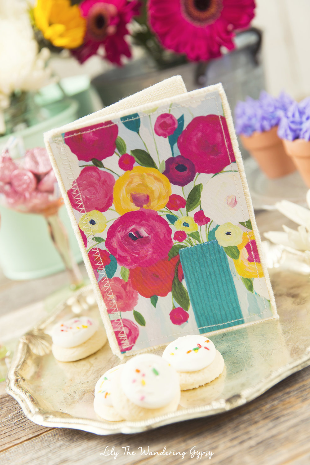 Cute Mother's Day Gift Ideas #HallmarkForMom