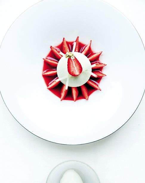 Elegant Way To Plate A Strawberry Dessert