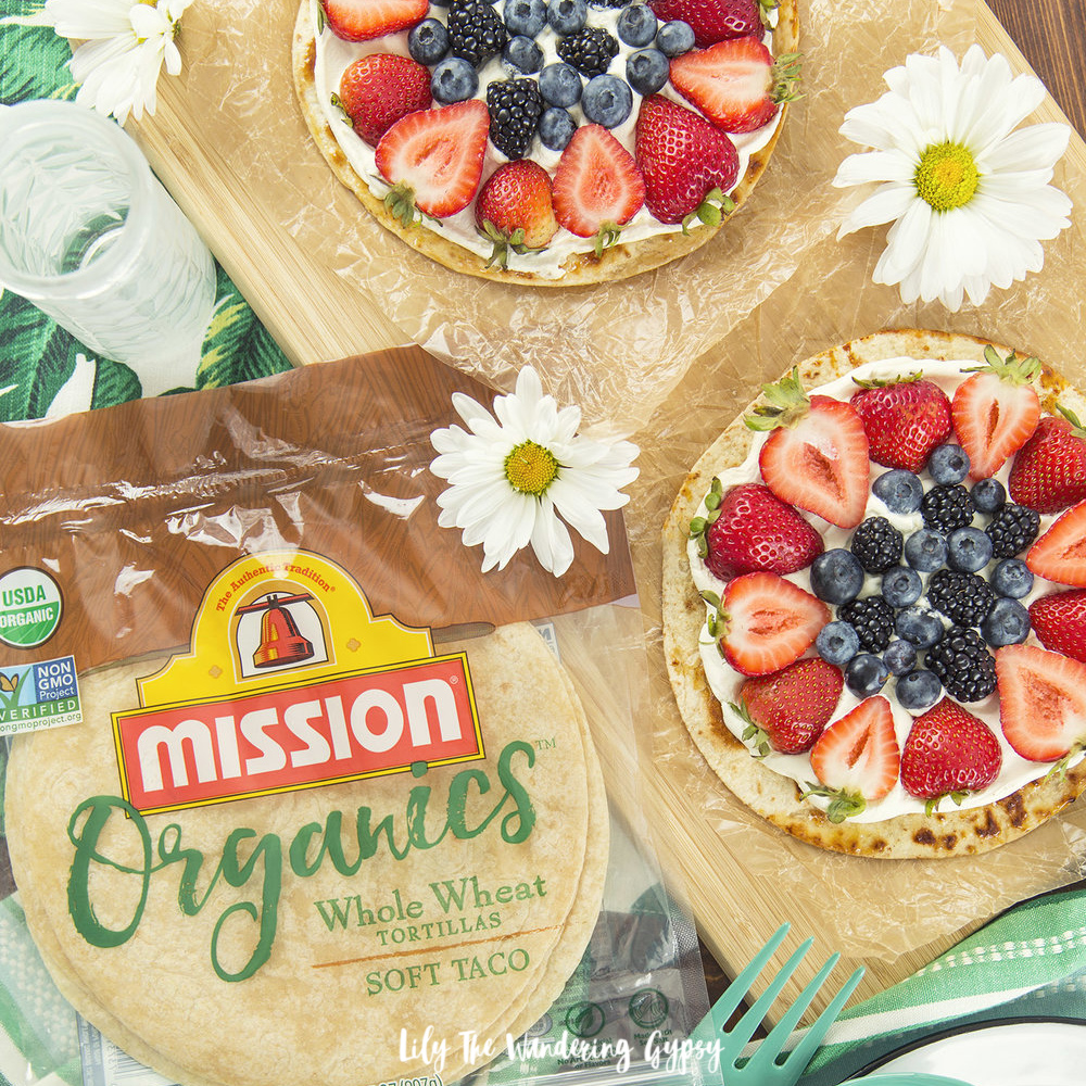 Organic Crispy Dessert Tortillas with Fresh Berries