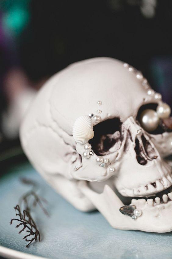 Sparkling Skull for Halloween