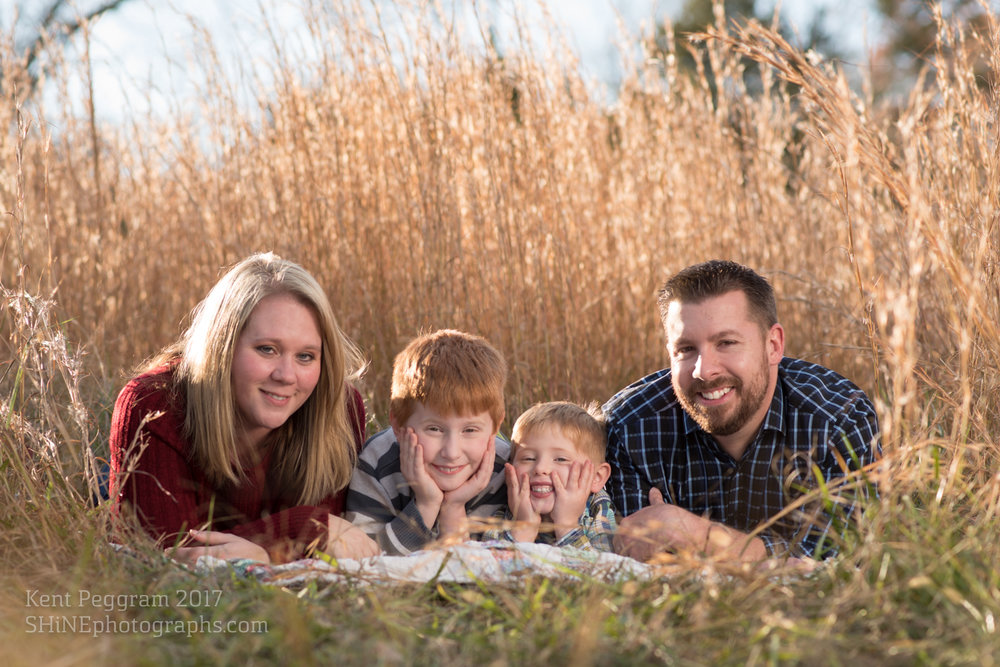 watermarked4web.HendersonFamily.Nov.2017-12.jpg