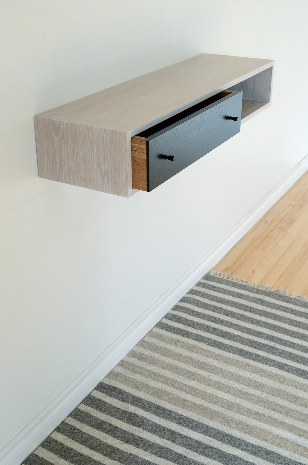 White wash hall table 007.jpg
