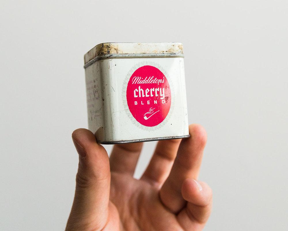Middleton's Cherry Blend typography on tin label