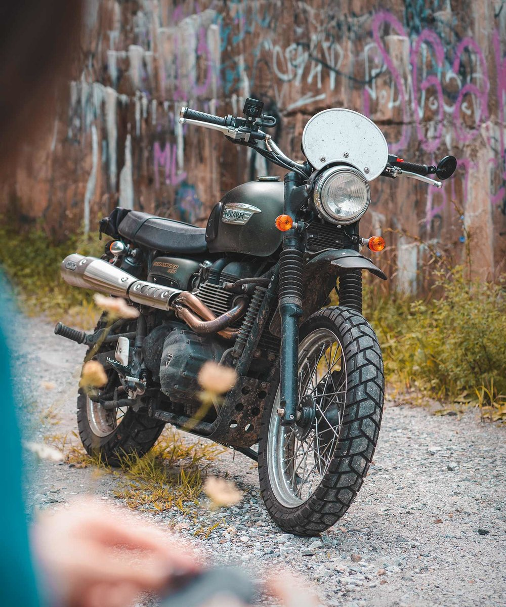 Lifestyle photo of motorcycle ride on the Triumph Scrambler 900