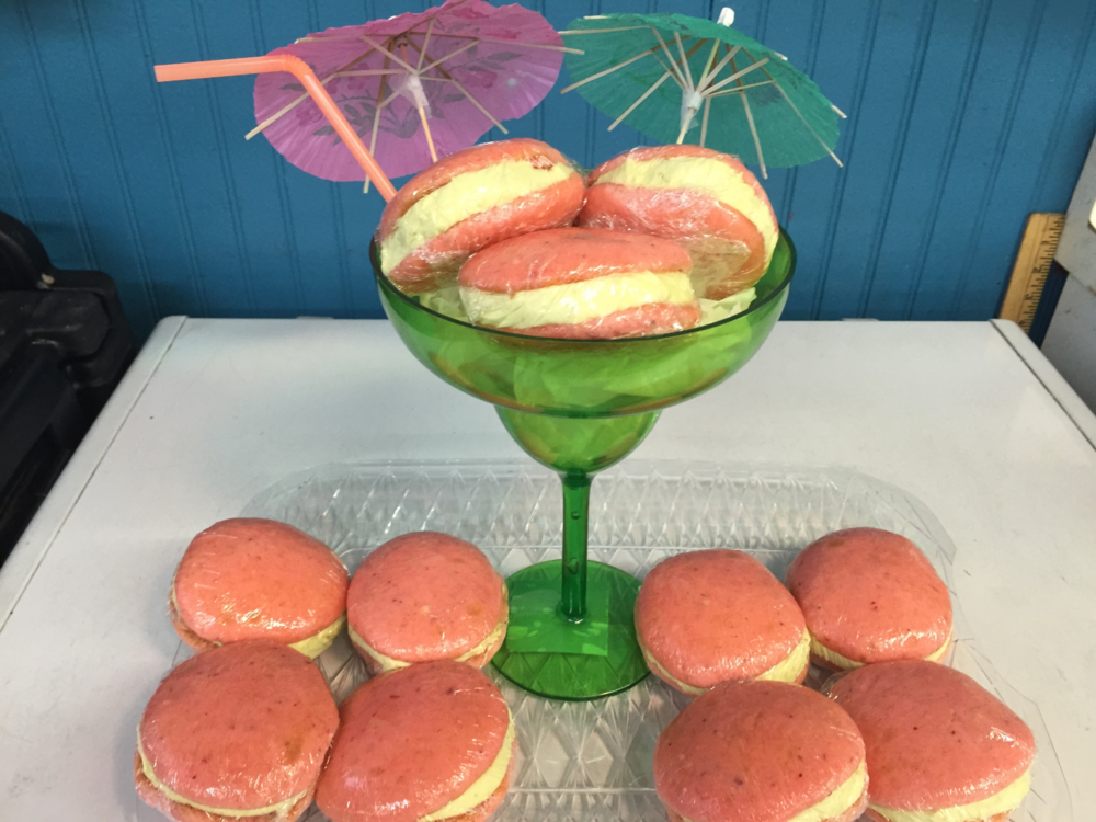 Strawberry Margarita   Strawberry cookie with lime and Tequila filling