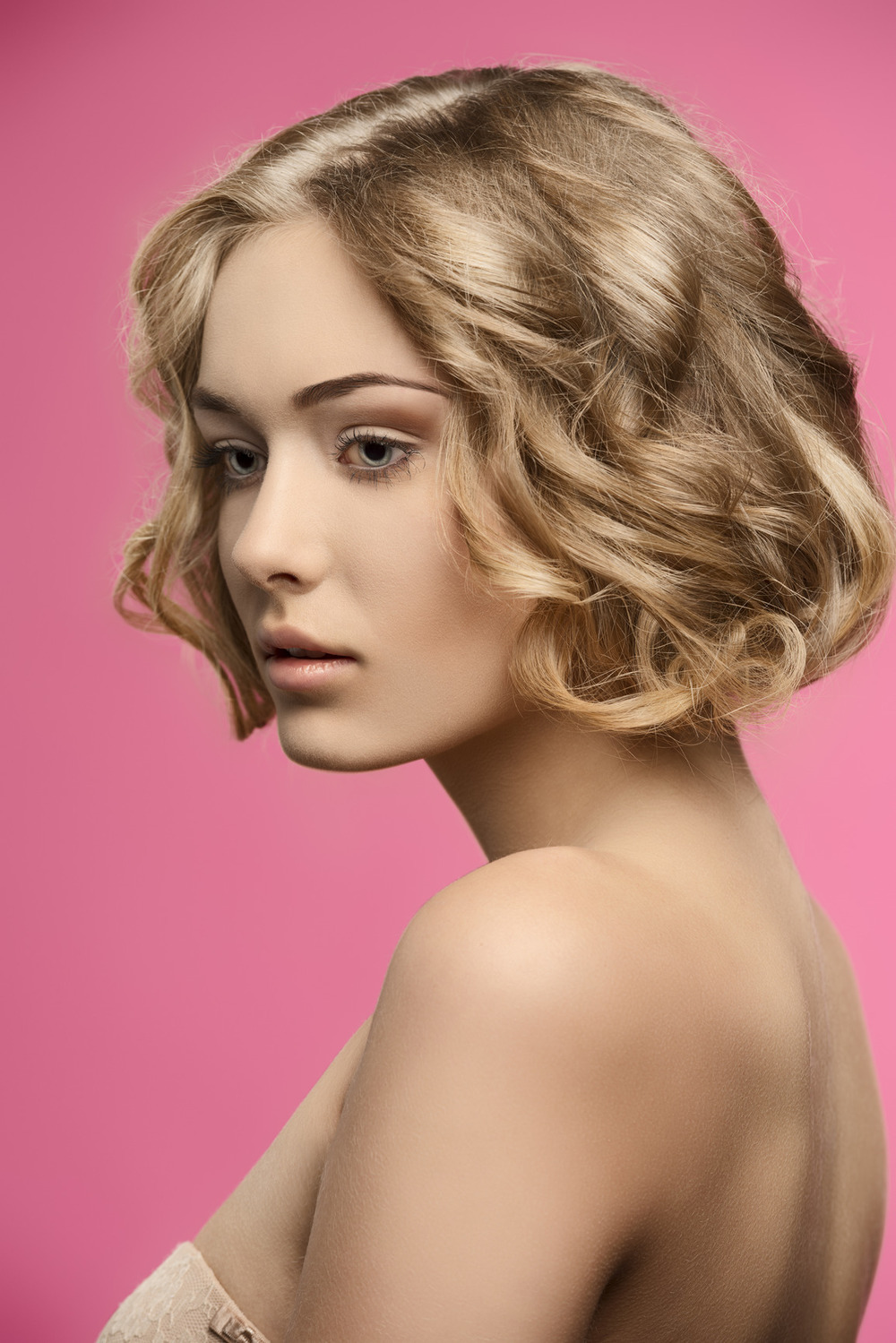 photodune-9115903-beauty-girl-with-short-curly-hair-m.jpg