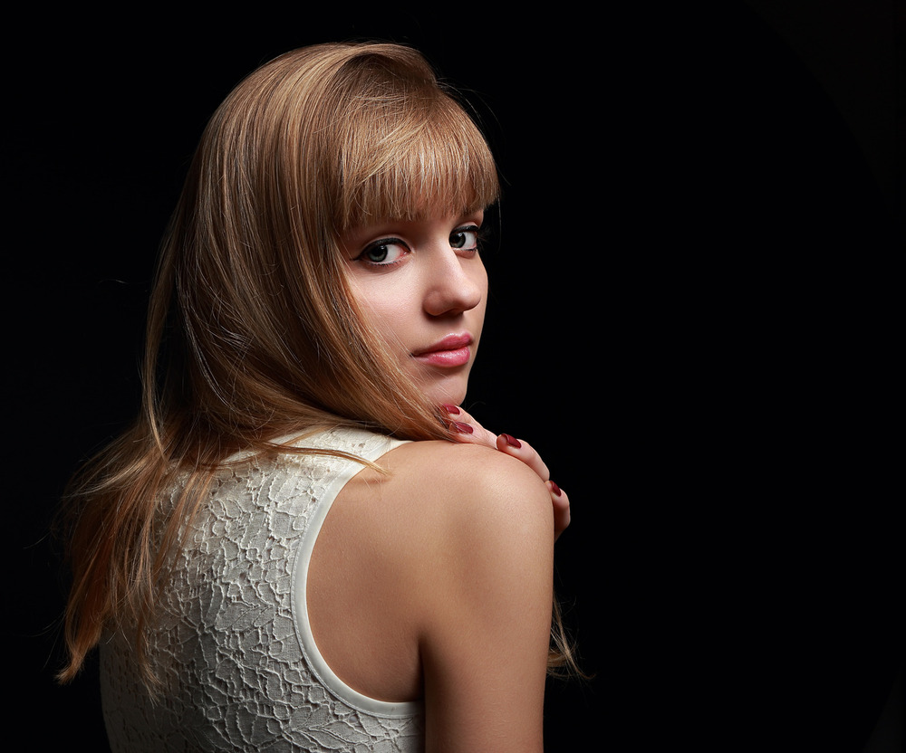photodune-9796854-beautiful-natural-lady-with-bob-hair-style-looking-on-black-background-m.jpg
