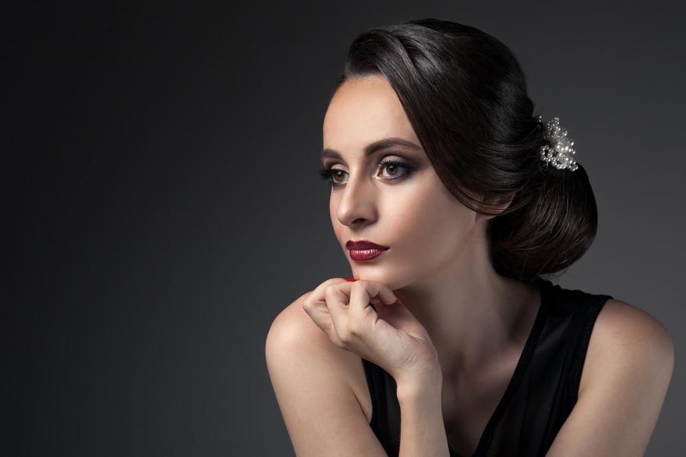 photodune-11903260-beautiful-woman-fashion-festive-coiffure-with-pearls-upsweep-m.jpg