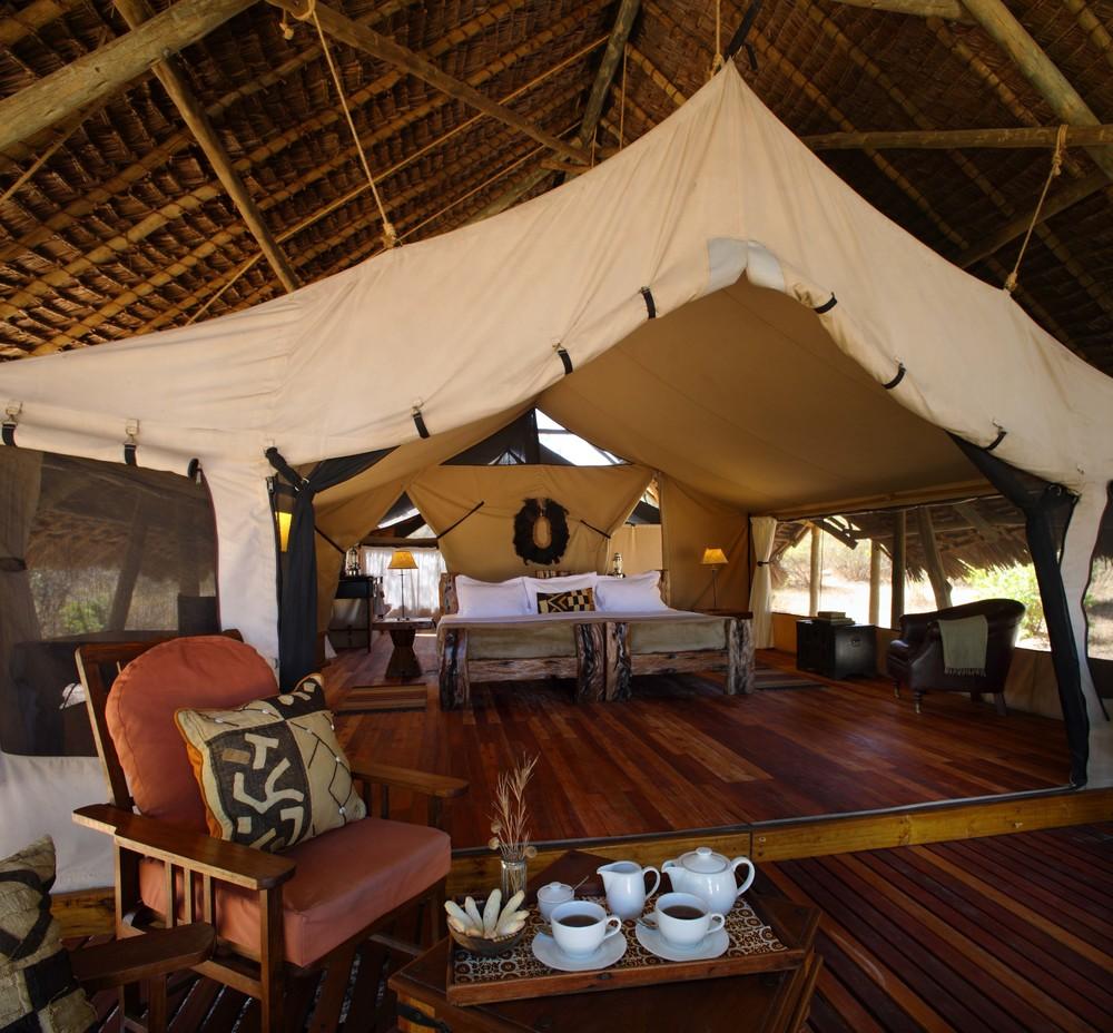 Luxurious tents at Jongomero.jpg