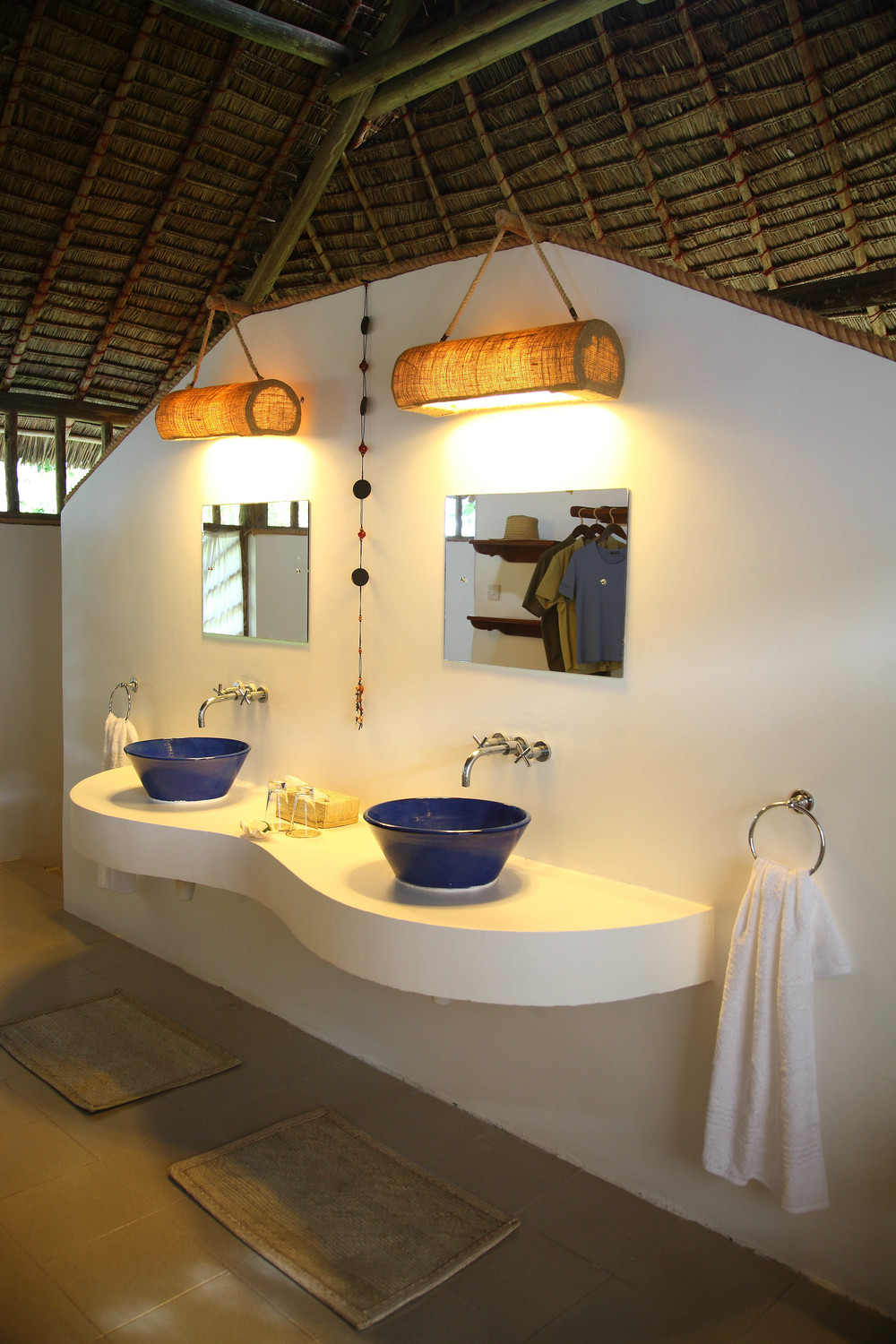Bathroom at Ras Kutani.jpg