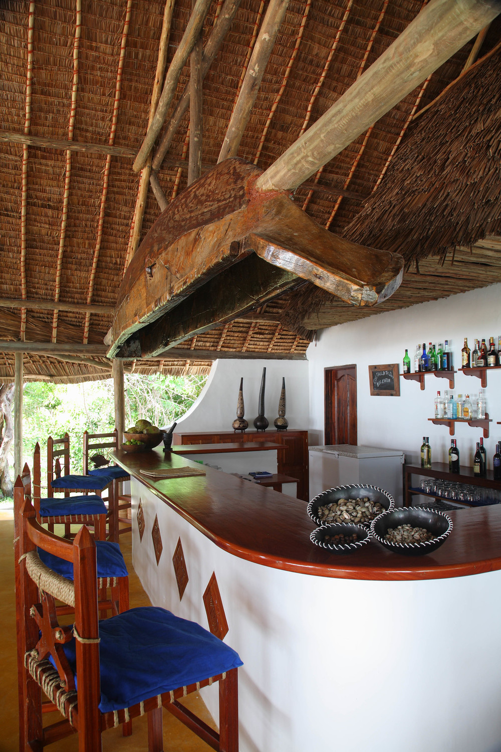 Welcoming bar at Ras Kutani.jpg
