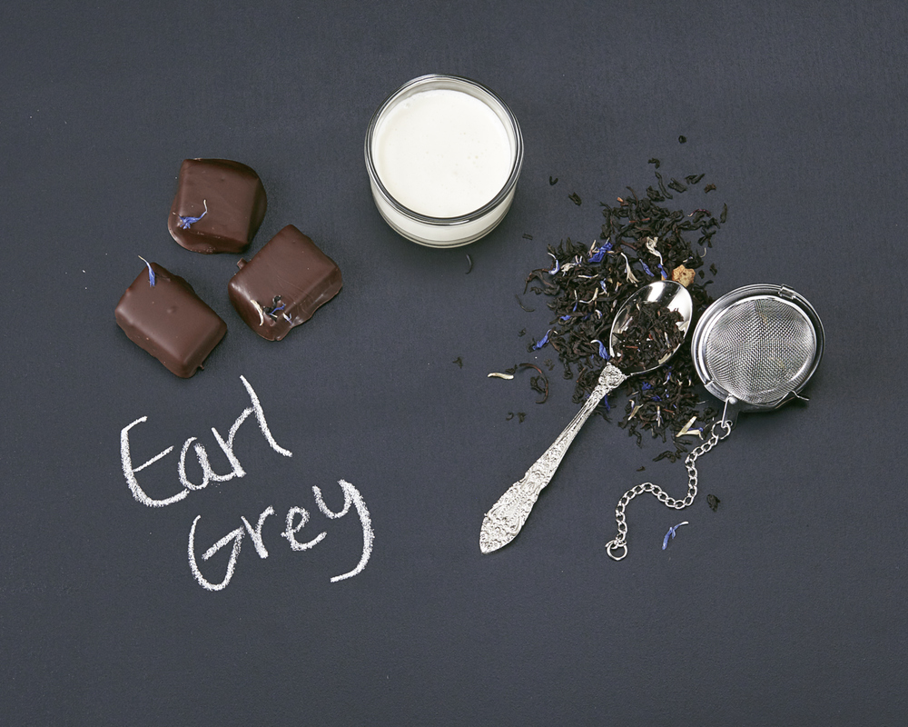 65% Gran Cru dark chocolate ganache infused with organic earl grey tea, hand dipped in dark chocolate and topped with crispy loose tea leaves